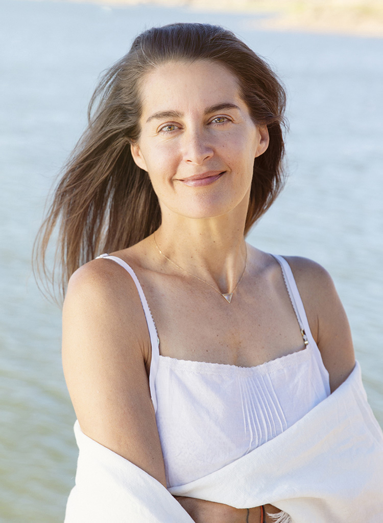 elenabrower_outside